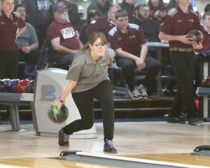 Ankeny bowling teams adapt to new coach, fire that destroyed Plaza Lanes