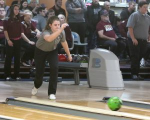 Ankeny bowling teams seek berth to state tournament
