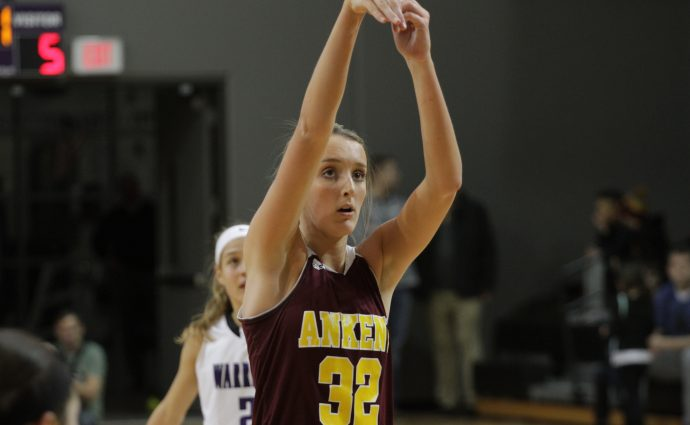 McAnelly tells Hawkettes, 'Don't you dare put your heads down' after season-ending loss
