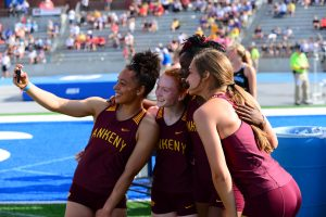 After storm delay, Hawkettes race to 3rd-place finish in 4×100 relay