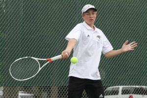Blevins pushes No. 1 seed in quarterfinals, earns top-8 finish