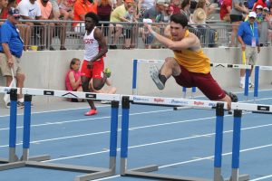 Hawks earn 4th-place finish in shuttle hurdle relay