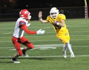 Niffenegger's kickoff return sparks Hawks to 62-7 victory over S.C. North