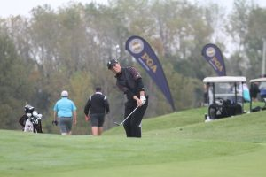 Johnson overcomes rough start, shoots 76 at state meet