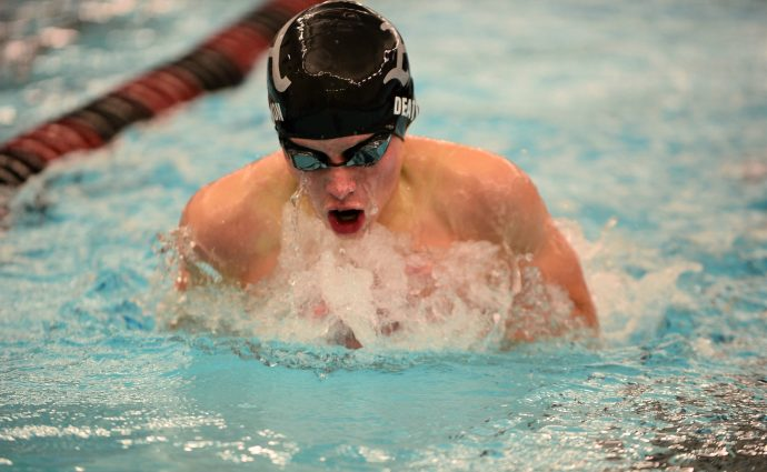 Ankeny swimmers battle Dowling Catholic to an 85-85 tie