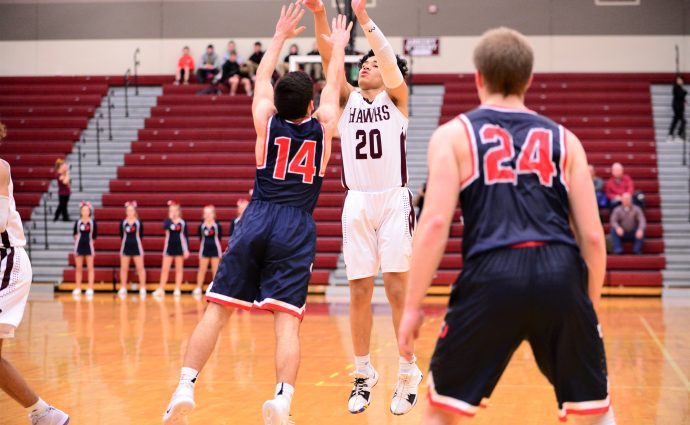 Crews beats the buzzer; Hawks escape with win over Urbandale