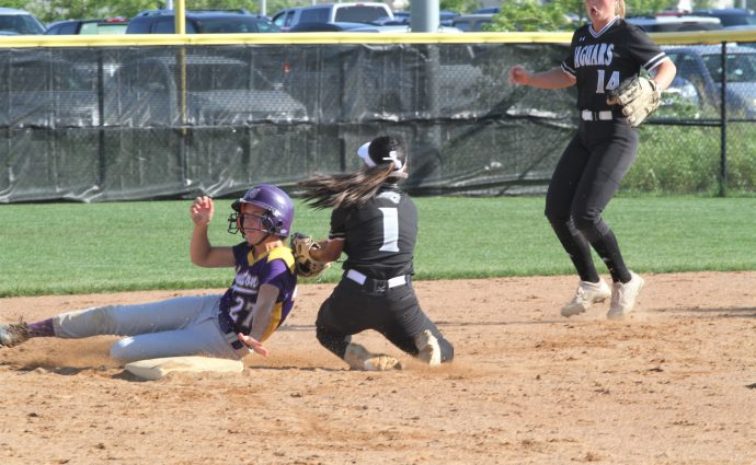 No. 8 Johnston pounds out 25 hits, sweeps doubleheader against Jaguars