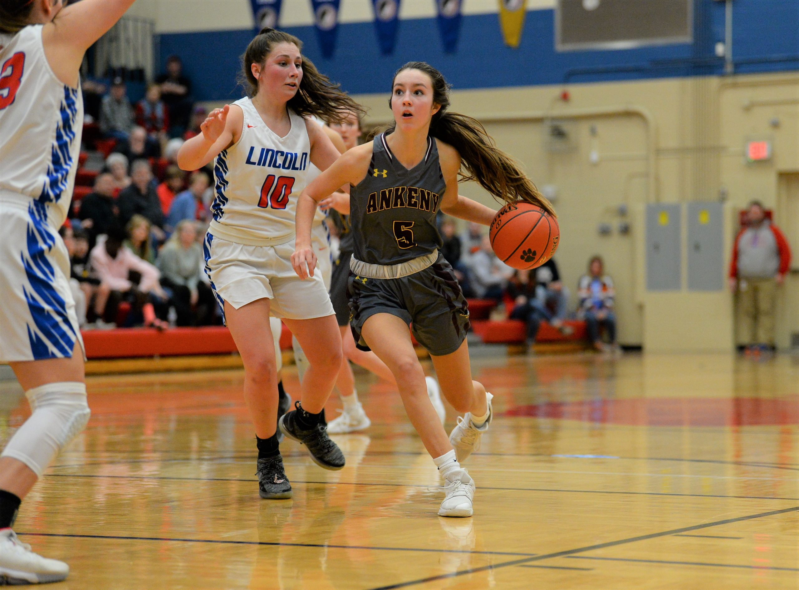 Third-quarter scoring drought proves costly as Hawkettes fall to C.B. Lincoln