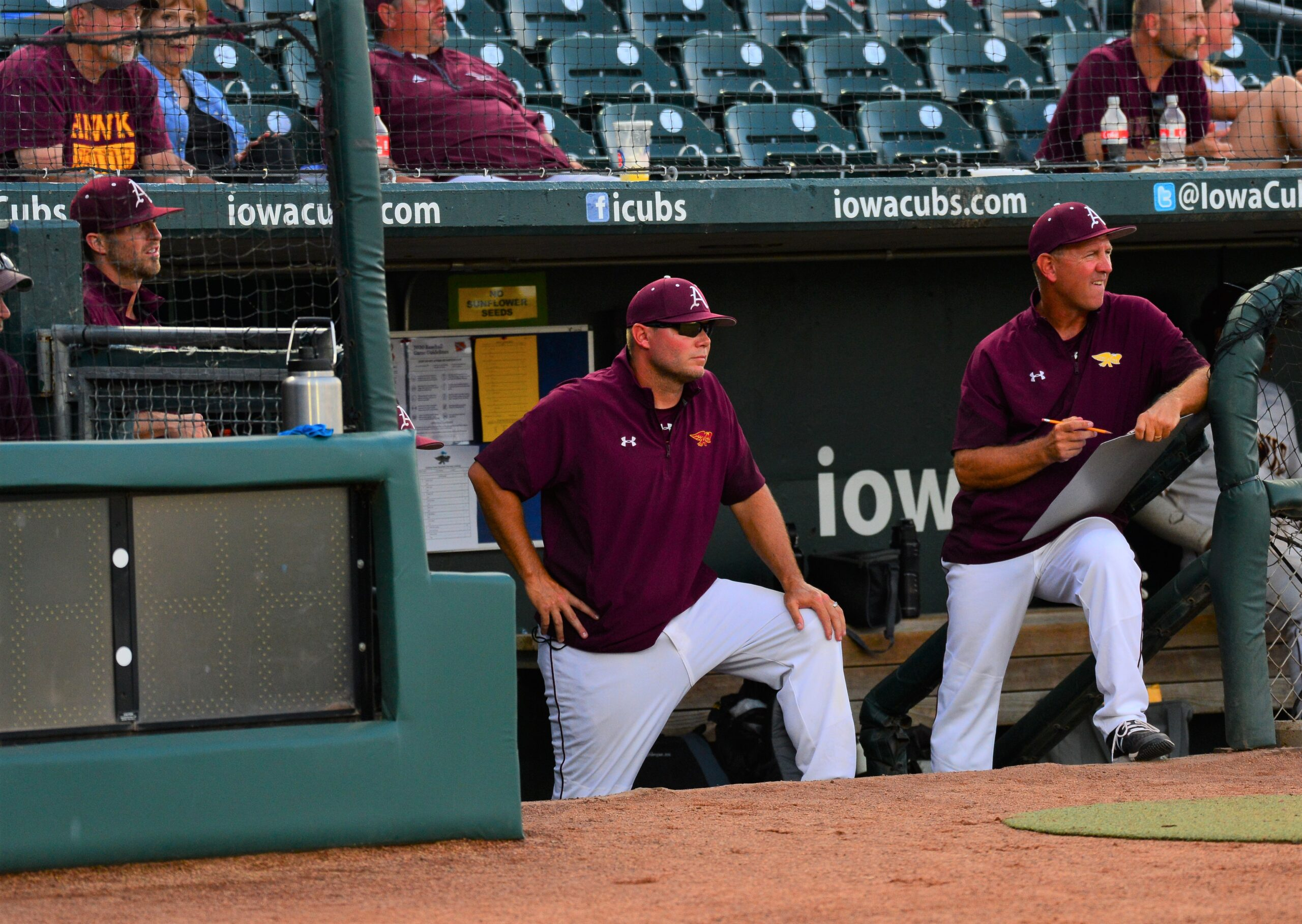 Dowling's misfortune allows Hawks to earn No. 1 seed, bye into substate final