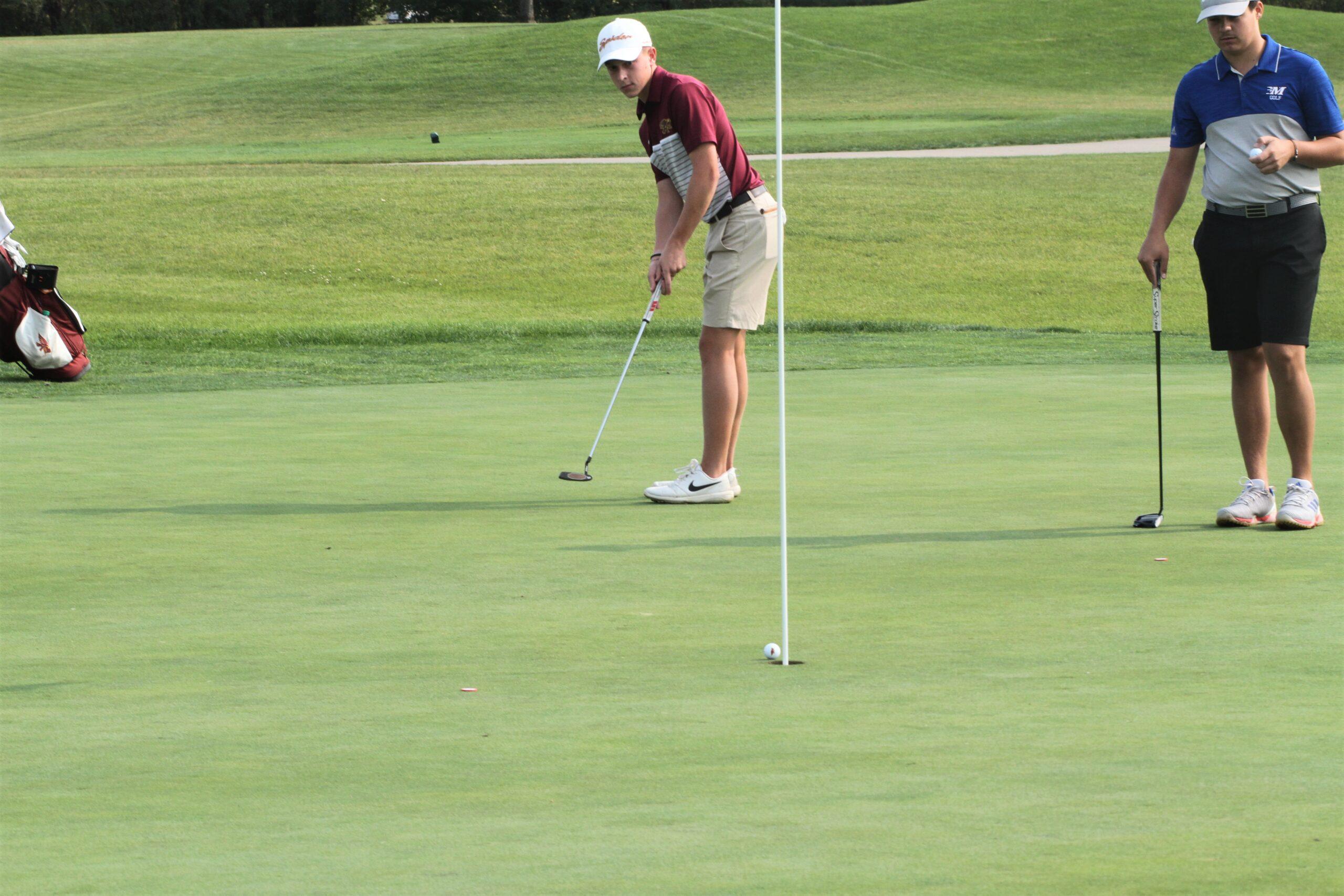 Hawk golfers top Marshalltown by 14 shots, claim 2nd straight dual-meet title