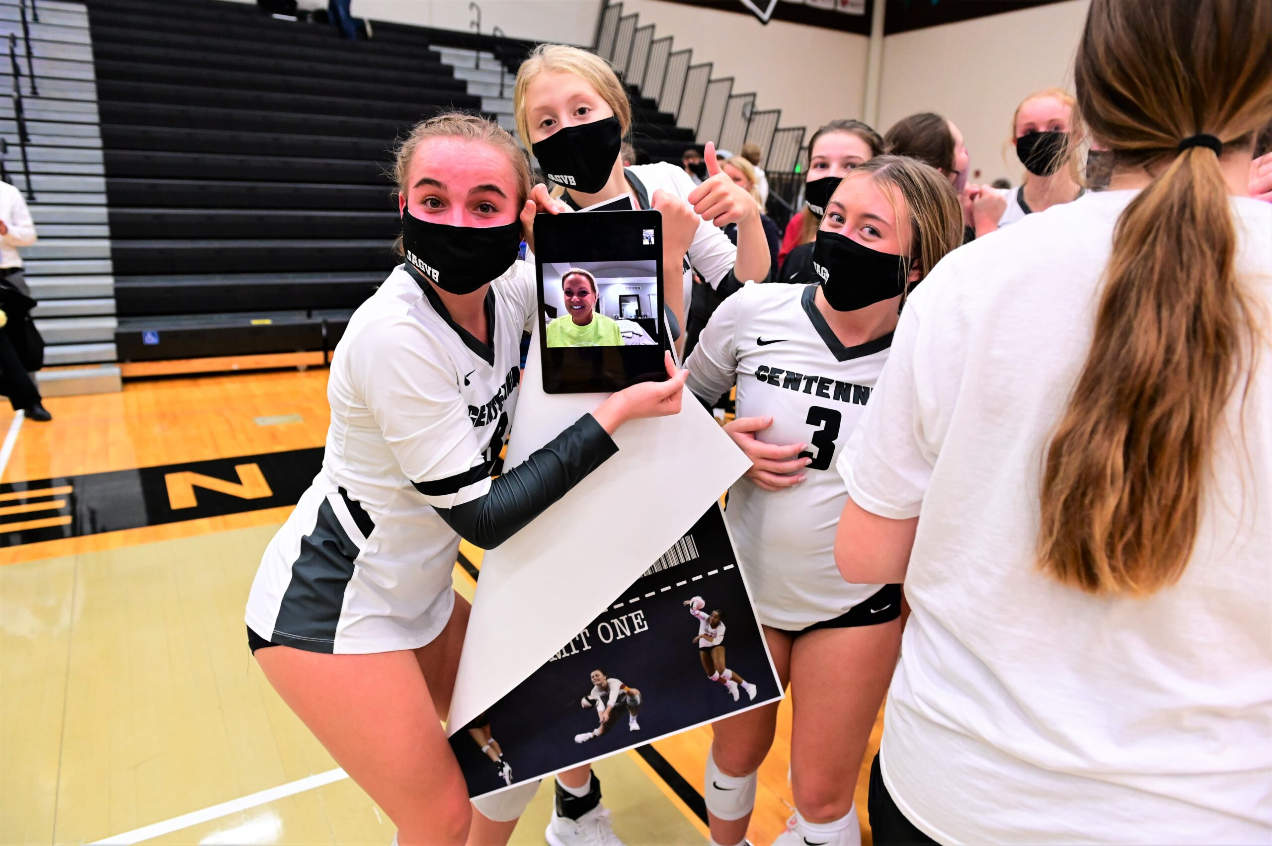 Jaguars outlast Urbandale in thriller, earn rematch against Ankeny at state